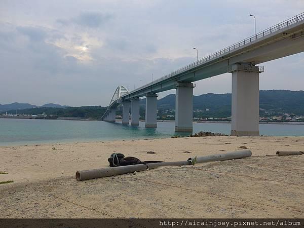 D03-084 瀨底大橋下海灘.jpg