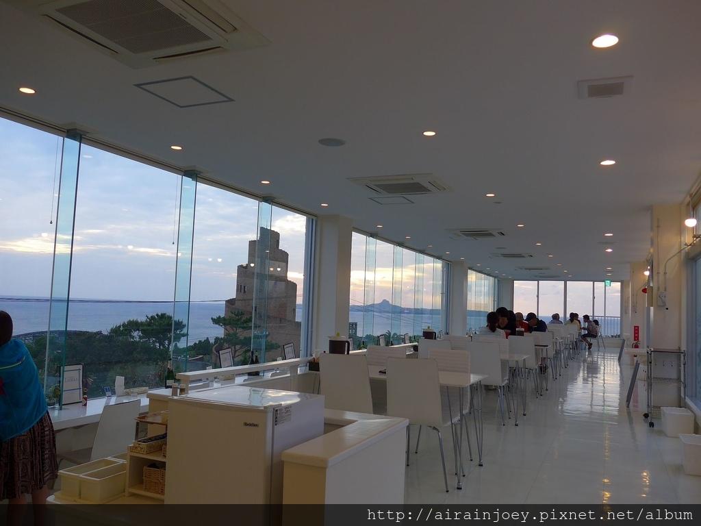 D03-229 Cafe Restaurant LA TiLLA.jpg