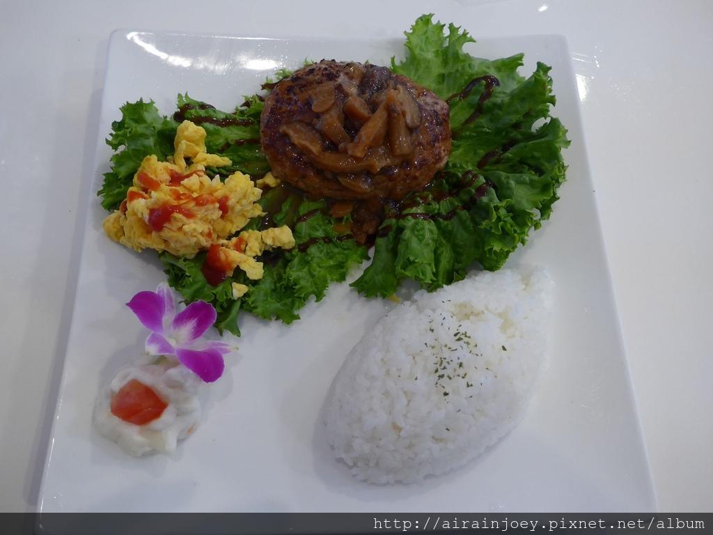 D03-246 Cafe Restaurant LA TiLLA.jpg