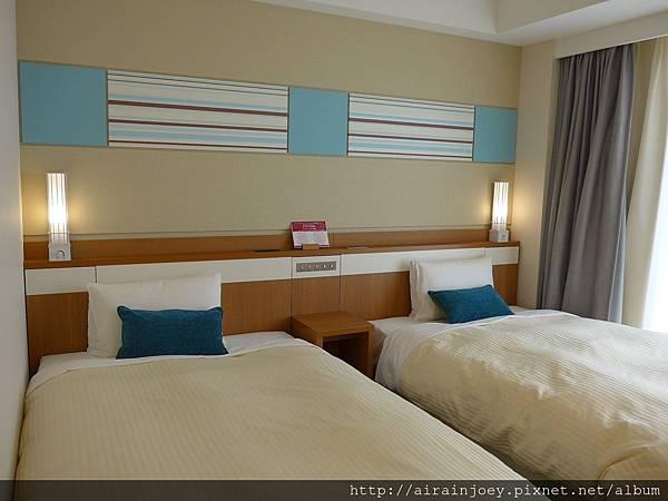D04-087 Vessel Hotel Campana Okinawa.jpg