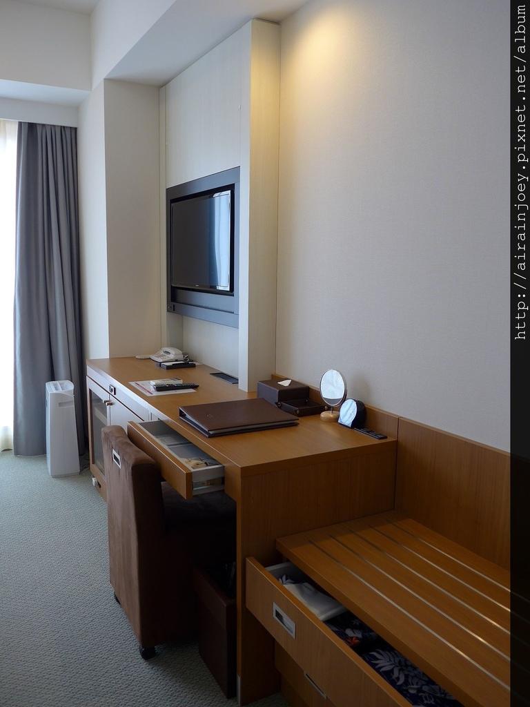 D04-088 Vessel Hotel Campana Okinawa.jpg