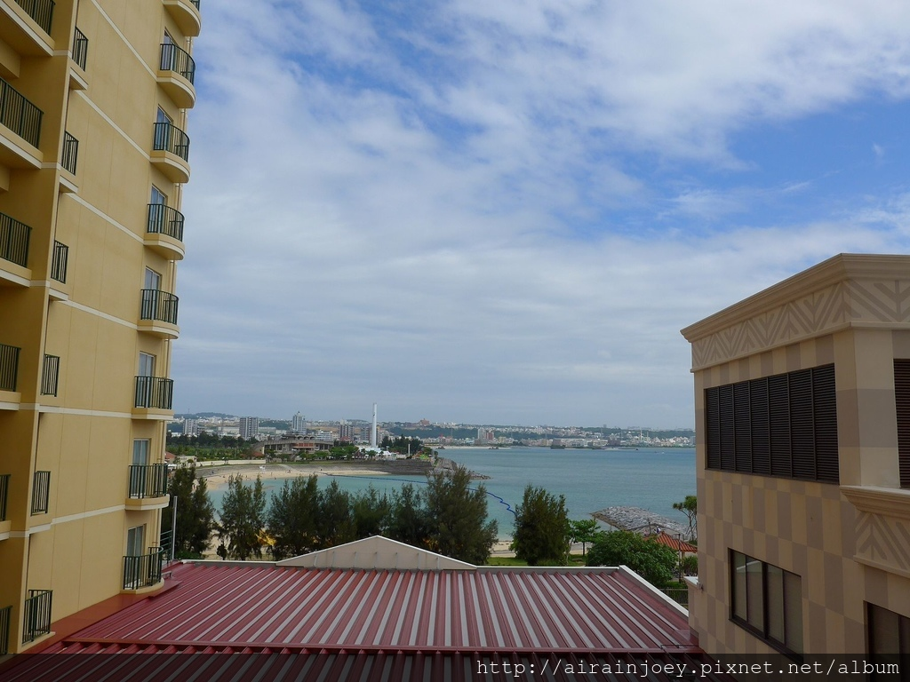 D04-096 Vessel Hotel Campana Okinawa.jpg