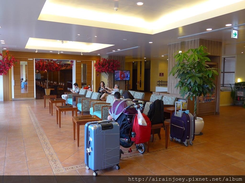 D04-108 Vessel Hotel Campana Okinawa.jpg