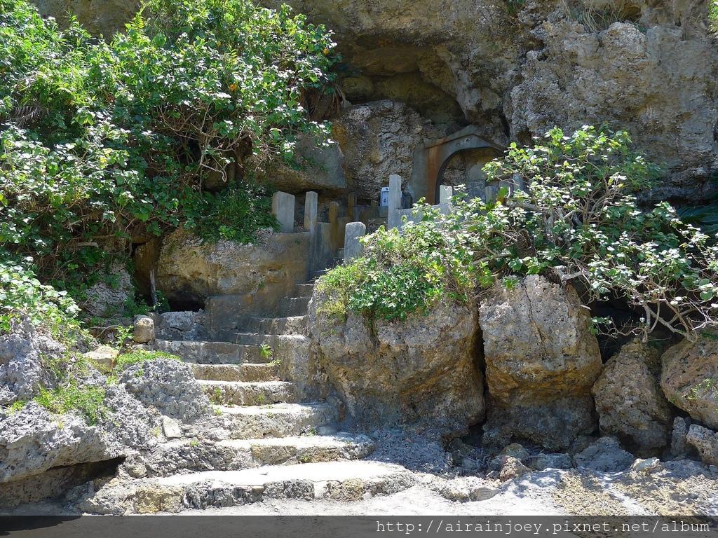 D08-248 阿摩美久之墓.jpg