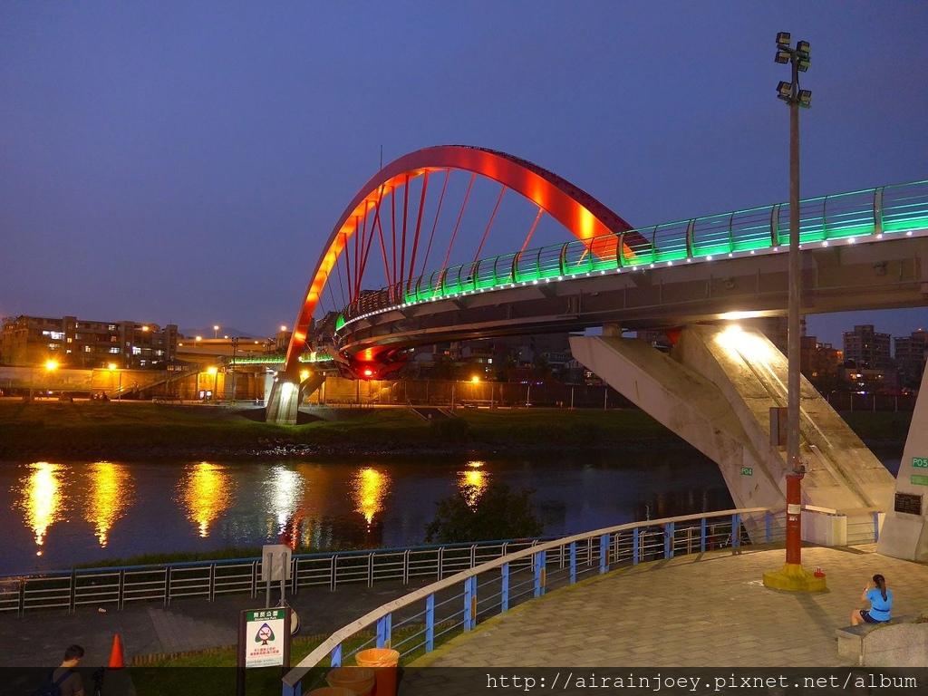 台北市-松山-彩虹橋02.jpg