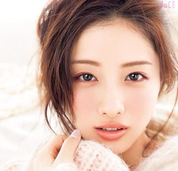 600-voce_11yue_hao_za_zhi_feng_mian_-shi_yuan_li_mei_201.jpg