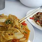 左邊是很沒人氣的海鮮料理