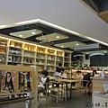塗鴉空間書店4.JPG