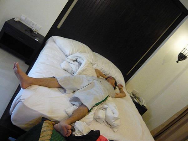 床上躺平~爽