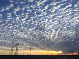 藍天白雲明月.jpg