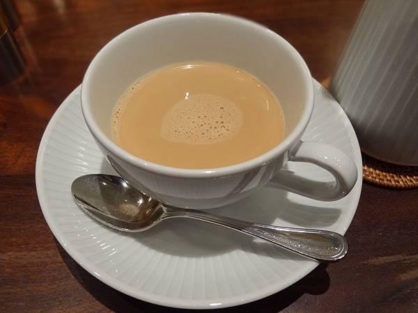 濃濃的奶茶