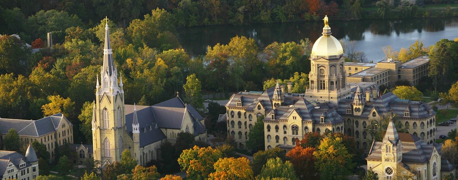 Notre Dame聖母大學 – 少數學術與體育表現皆亮眼的大學,並以商學院享譽全美