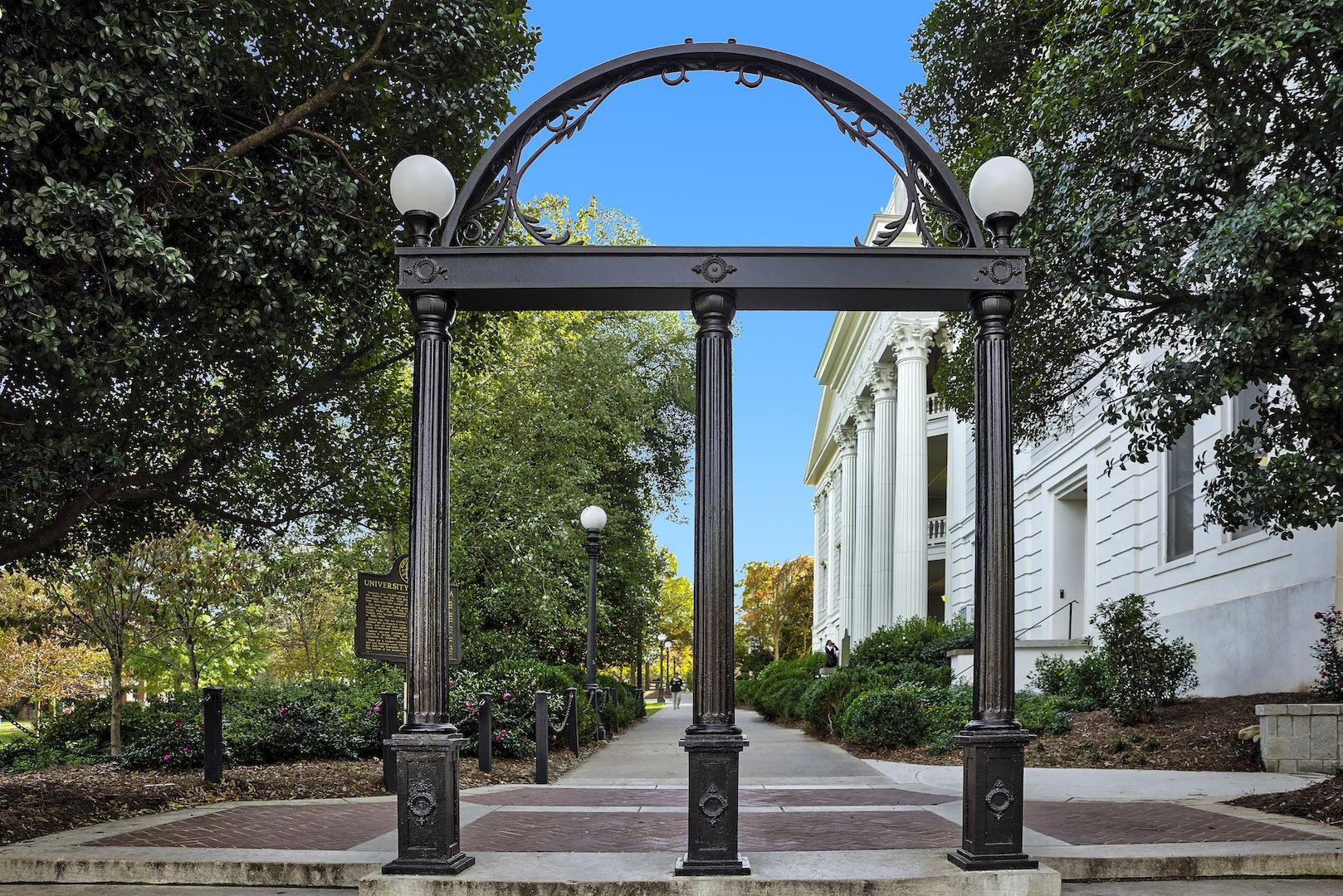 UGA 喬治亞大學 - 歷史悠久且規模龐大的南方名校