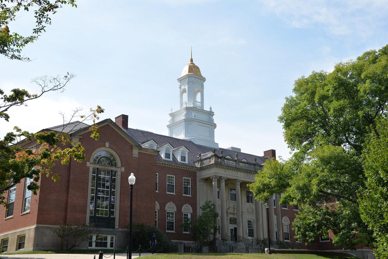 UCONN康乃迪克大學 - 美國東北部的科教走廊,優質的公立學府
