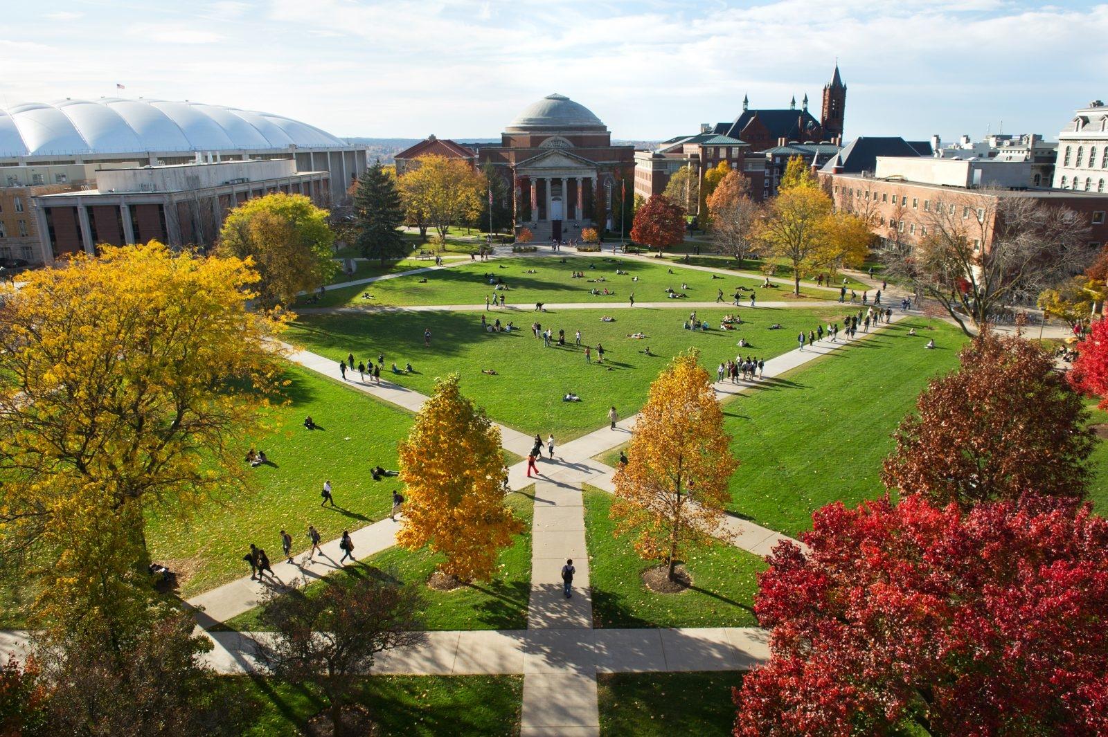 Syracuse University 雪城大學 - 在大雪紛飛的國度裡,點亮熾熱的橙色
