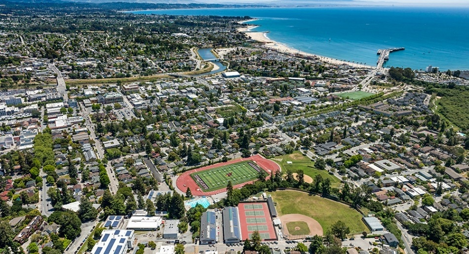 UCSC 聖塔克魯茲加大 – 西班牙式古典校園,面臨太平洋最美麗的海灘