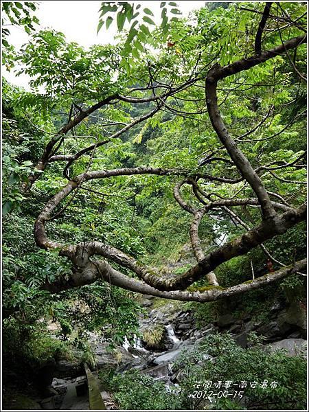 2012-09-南安瀑布10