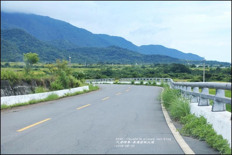 金剛大道(長濱伯朗大道)2016-06-29.jpg