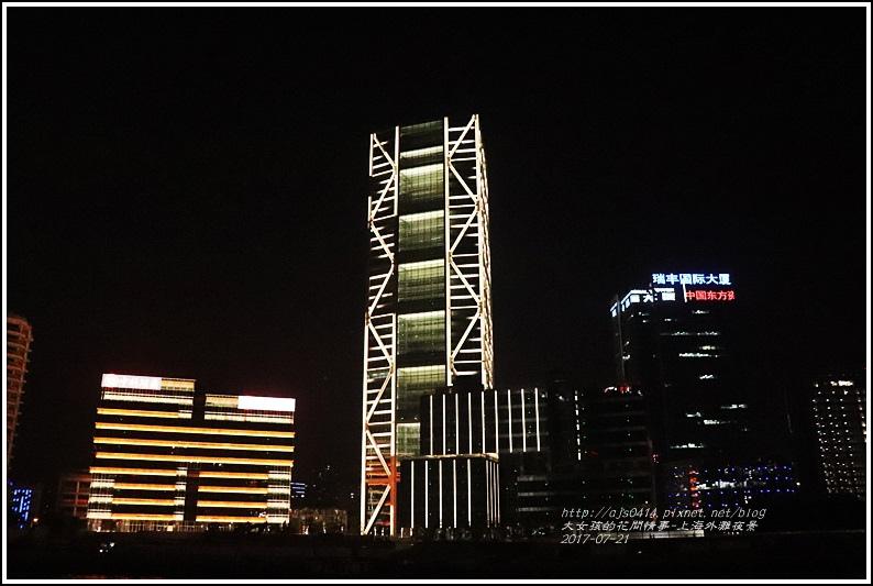 上海外灘夜景-2017-07-16.jpg