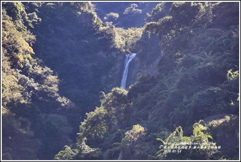 羅山瀑布(梅園)-2018-01-27.jpg