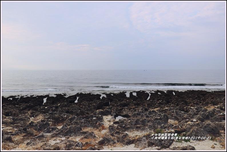 小琉球環島公路(厚石裙礁)-2019-04-02.jpg