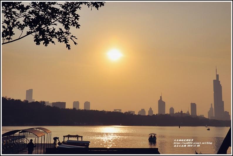 南京玄武湖-2019-11-03.jpg