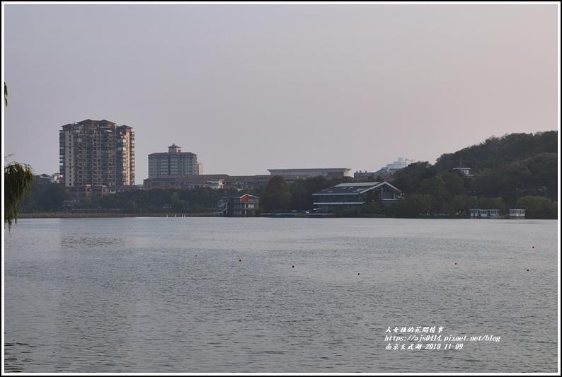 南京玄武湖-2019-11-18.jpg
