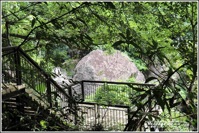 羅山瀑布-2020-08-57.jpg