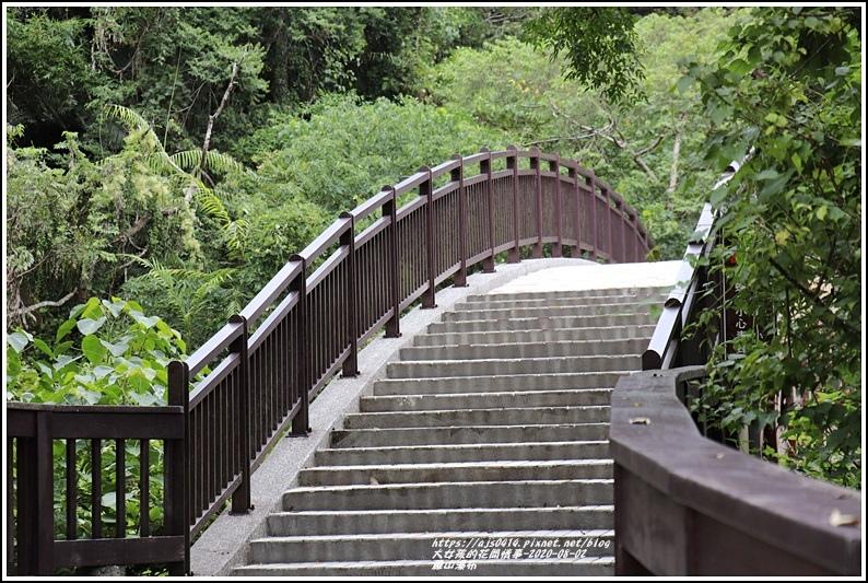 羅山瀑布-2020-08-86.jpg