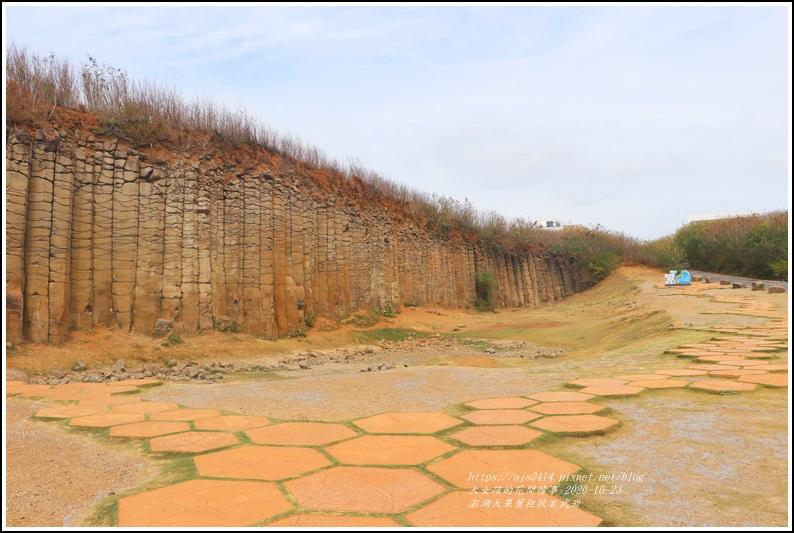 澎湖大果葉柱狀玄武岩-2020-10-05.jpg