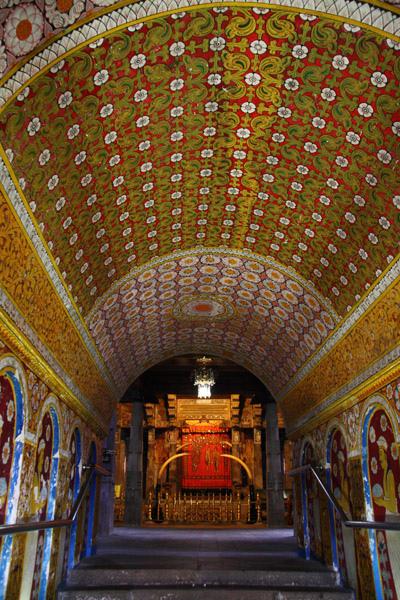佛牙寺內部入口