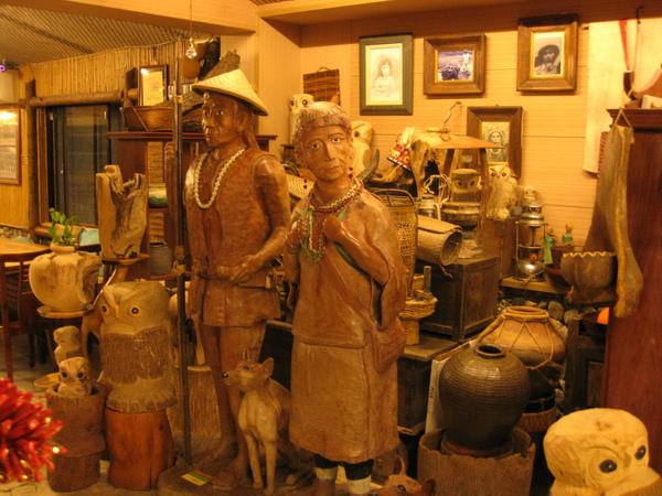 老闆娘的祖先雕像