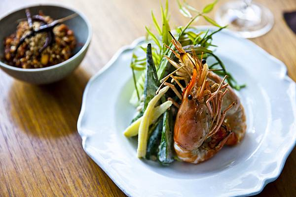 Peanut_Relish_with_Grilled_Prawns_1