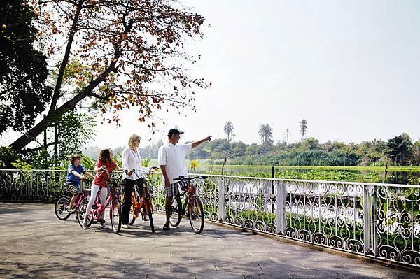sampran-riverside-gallery-bicycle01.jpg