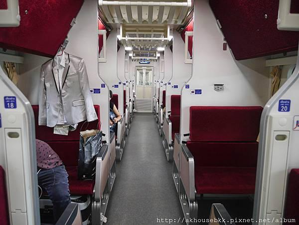 AK_臥舖火車001.jpg
