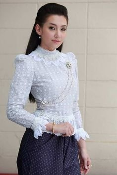 03ab5d55b82b7d7f17753571fadd31b3--thai-dress-thai-style.jpg