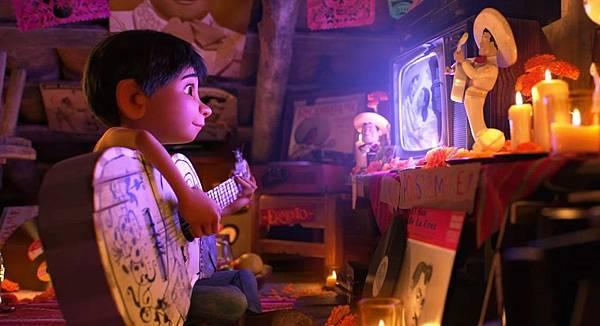 disney-pixar-coco-movie-still-1024x555
