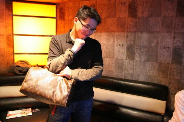 我&LV包包.jpg