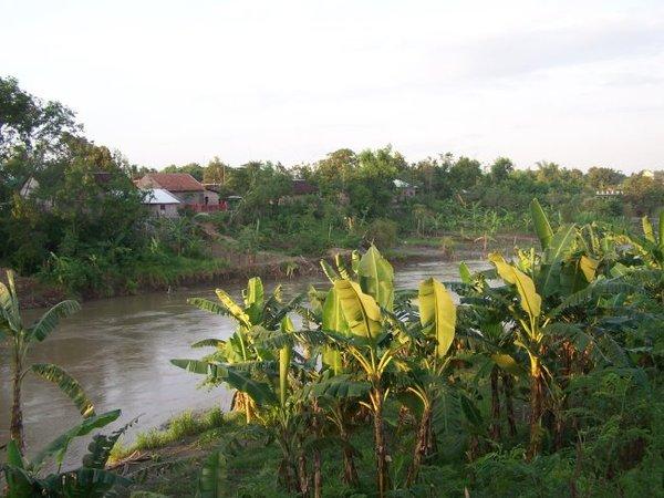 河流.JPG