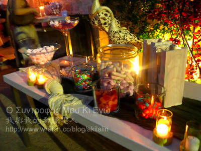 晚宴入口處的七彩糖果裝飾