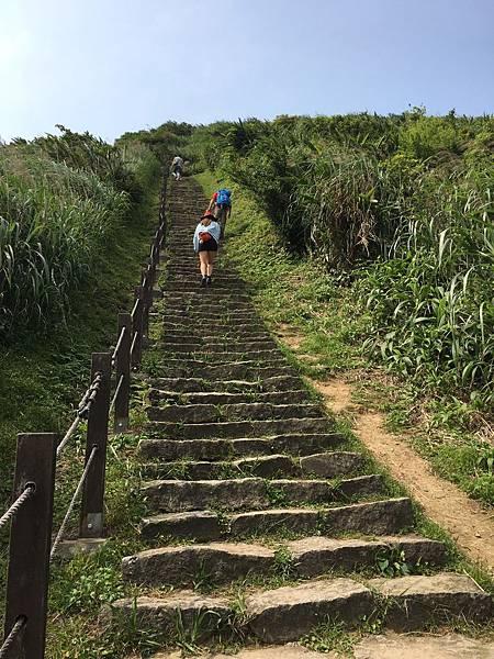 2020418小粗坑步道,九份,雞籠山及民宿景觀_200419_0070.jpg