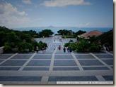 CIMG2323_一進公園就是一大片樓梯與遠方大海