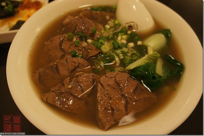 DSC02707_滿是牛肉的牛肉麵