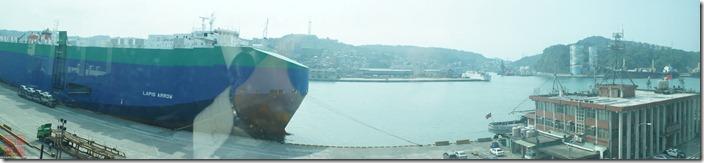 DSC02505_窗外可以看到基隆港