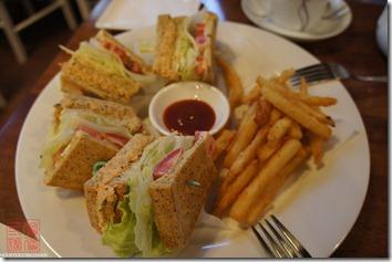 DSC01665_鮪魚蔬菜三明治