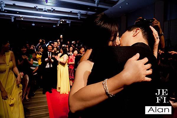游騰凱攝影工作室,台中婚攝,新人推薦,婚禮攝影,有Fu婚攝,吻_27.jpg