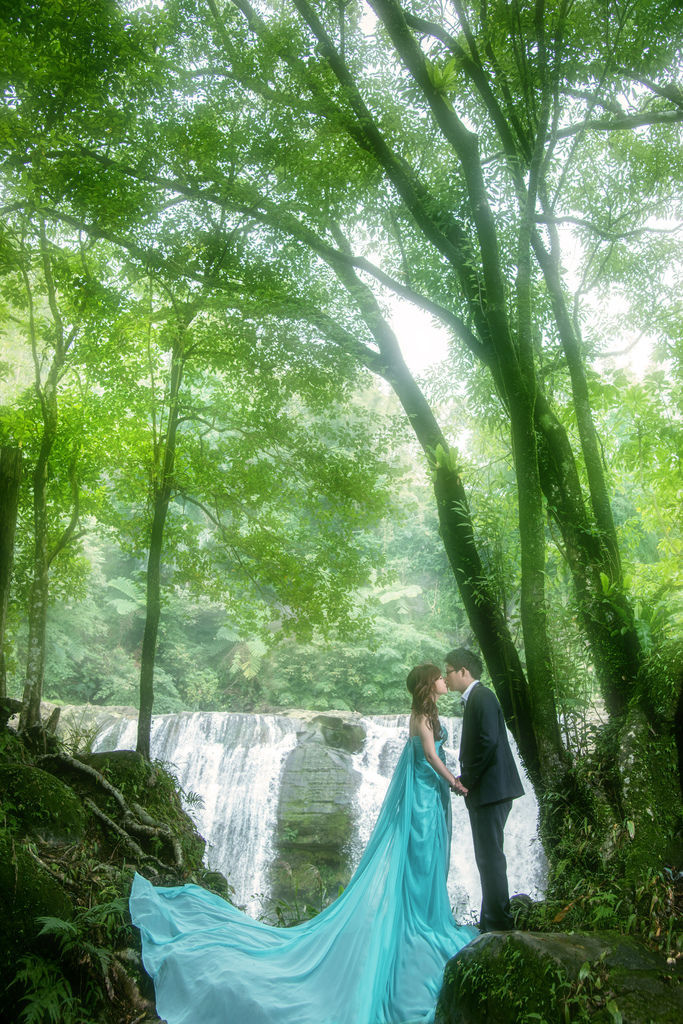 婚紗攝影,自助婚紗攝影,台中自助婚紗,瀑布婚紗,玩拍婚紗