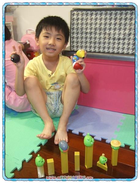 憤怒鳥夢幻版音效彈弓玩具組[恆宇五歲生日禮物]7.jpg