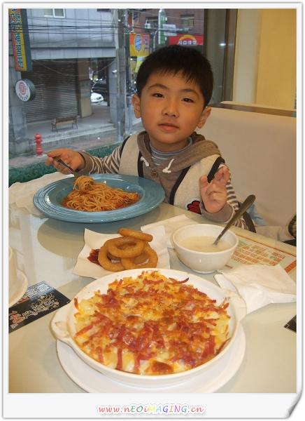洋廚Young Kitchen[義大利麵.比薩.焗烤專賣店]10.jpg