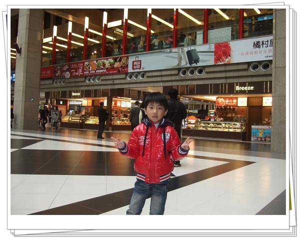 台北火車站-微風美食廣場1